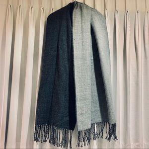 forever 21 reversible oblong fringe scarf
